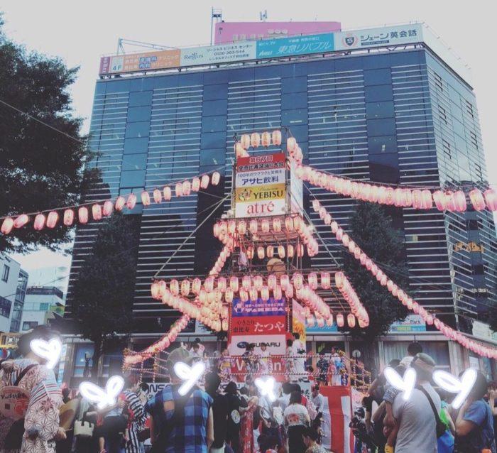 恵比寿駅前で行われた盆踊りの櫓の写真2