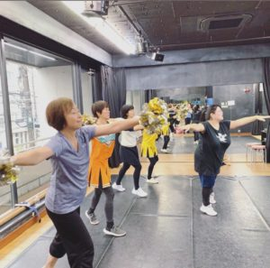チアダンス部の練習風景写真